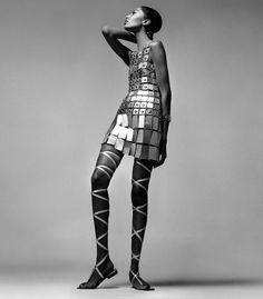 Donyale Luna in Paco Rabanne. Photo by Richard Avedon, 1966. S) #vintage #fashion