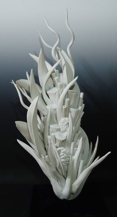 Kyoko Tokumaru - Work - Cosmic plants Ceramic Clay, Porcelain Ceramics, Ceramic Pottery, Pottery Art, Pottery Sculpture, Sculpture Art, Cerámica Ideas, Organic Sculpture, Organic Ceramics