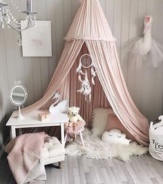 If you're anything like us you're sure to go gaga for this super adorable girly room posted by @siljerostad. Double tap if you've got heart eyes over this space too! April 18 2017 at 04:33PM