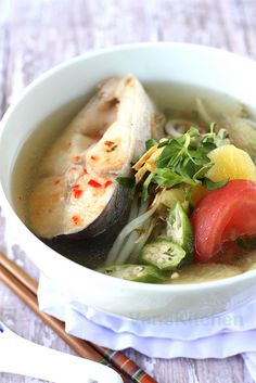 Vietnamese sweet and sour fish soup  // by vanscookbook.blogspot.com