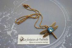 Collier libellule cristal bleu sky opal par Pralinettebijoux