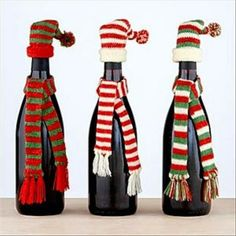 Homemade Wine Bottle Crafts - Christmas Crafts with Wine Bottles Wine Bottle Covers, Wine Bottle Art, Wine Bottle Crafts, Bottle Torch, Christmas Fun, Christmas Decorations, Christmas Sweets, Christmas Lights, Bottle Decorations