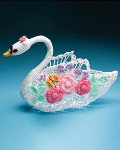 Picture of Swan Queen Centerpiece Download