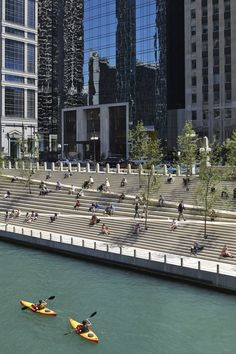 Image 4 of 37 from gallery of Chicago Riverwalk Opens to the Public, Returning the City to the River. Photograph by Kate Joyce Studios
