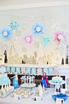 Frozen-Birthday-Party-via-Karas-Party-Ideas-KarasPartyIdeas.com-Party-supplies-cake-tutorials-printables-giveaways-and-more36