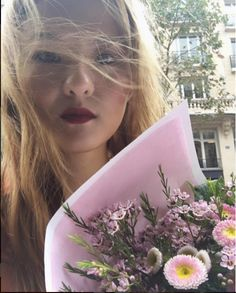 #MuseMonday: Wanyi Jiang #Flowers #Floral #Blooms #Bouquet Karin Uzumaki, Born In China, Glamour Magazine, Infp, Personality Types, Vitamins And Minerals, Muse, Beautiful People, Bouquet
