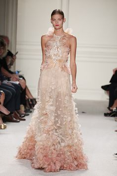 Marchesa at fashion week was full of gorgeous gowns -- and you can see pics of the Spring 2016 collection at NYFW right here. // evanescentescape.com
