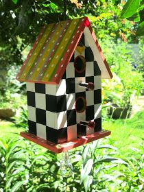 "I have always liked "" MacKenzie-Childs "" things. While looking through the catal… I have always liked "" MacKenzie-Childs "" things. While looking through the catalog the other day I saw these really cute bird houses. Bird Houses Painted, Bird Houses Diy, Painted Birdhouses, Wood Houses, Decorative Bird Houses, Mint Green Decor, Bird House Plans Free, Birdhouse Designs, Birdhouse Ideas"