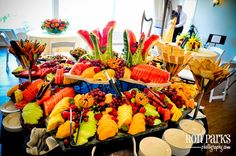 Guðjónsdóttir Villas Seasonal Fruit & Berry Display with Belgium Chocolate Fondue Belgian Chocolate, Best Chocolate, Chocolate Fondue, Secrets Wild Orchid, Fruit Centerpieces, Fruit Displays, Fruit In Season, Diy Food, Villas