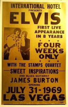 1969 7 31 ELVIS PRESLEY INTERNATIONAL HOTEL, LAS VEGAS . Après le plein pour cette dernière répétition qu'Elvis à effectuée à la salle d'exposition du l'International Hôtel à Las Vegas. Bien que les bonbons on ouvert le spectacle à 20h15 Elvis n'a pas apparu sur la scène qu'à 22h15 en raison d'une attaque de trac qu'à crée une légère panique .