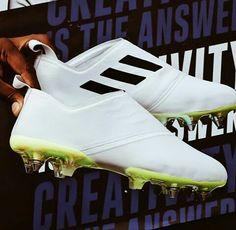 New adidas Glitch 18 Creators Studio. Juan Pa · Zapatos de fútbol 55e80727dd41c
