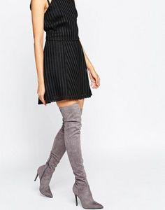 Botas grises de caña alta con tacón de aguja de Kendall + Kylie
