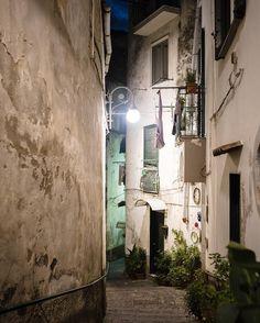 #vicolo #vietrisulmare #night #instamood #streetstyle #urban #urbanart #street #italy #canon...