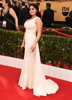Ariel Winter in Zac Zac Posen Who Wore Your Favorite White Dress at the SAG Awards? Zac Posen, Ariel Winter Hot, White Dress Winter, Sister Wedding, Modern Family, Red Carpet Looks, White Outfits, Red Carpet Fashion, Fashion Dresses