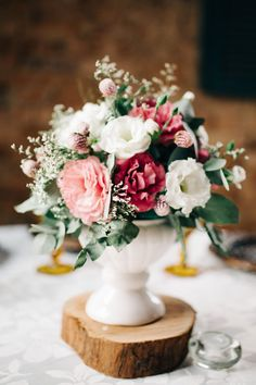 Flowers Arrangements Wedding Diy Color Palettes 15 Ideas For 2019 Simple Centerpieces, Wedding Centerpieces, Wedding Table, Wedding Decorations, Wedding Flower Arrangements, Floral Arrangements, Wedding Flowers, Geek Wedding, Diy Wedding