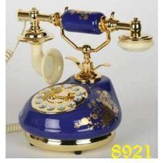 Vintage Phones, Vintage Telephone, Et Phone Home, Antique Phone, Vintage Appliances, Porcelain Jewelry, Porcelain Doll, Vintage Bottles, Decoration