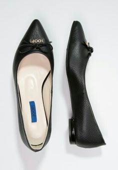 ... Flats, Shoes, Fashion, Loafers & Slip Ons, Moda, Zapatos, Shoes Outlet, Fashion Styles, Shoe