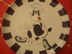 Plat à tarte en porcelaine , avec vache - 32cm de diamètre