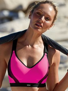 In stay-cool fabric with support that breathes, this sport bra can handle the heat. | Incredible by Victoria's Secret Sport Bra