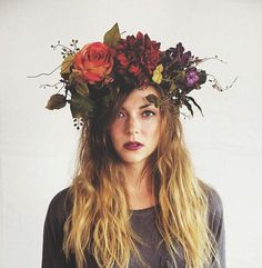 Such a gorgeous flower crown. Perfect for Day of the Dead or a fairy cosplay! - 20 Flower Headdresses