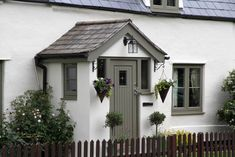Traditional Wooden Front Doors - hardwood, softwood or oak - Cottage Life Today Porch Uk, House Front Porch, Front Porch Design, Porch Designs Uk, Enclosed Front Porches, Cottage Front Doors, Cottage Porch, Cottage Exterior, Cottage Style