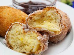 Gogoși cu lingura: mai delicioase și mai apetisante ca niciodată. Romanian Food, Something Sweet, I Foods, Cornbread, Donuts, Muffin, Brunch, Good Food, Food And Drink