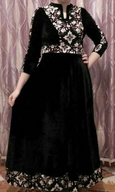 Abaya Fashion, Muslim Fashion, Fashion Dresses, Women's Fashion, Shirt Style Kurti, Abaya Mode, Hijab Stile, Dress Neck Designs, Hijab Chic