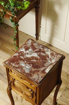 アンティーク マーブルトップナイトテーブル(ワインレッド) French Antique Marble Top Night Table