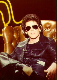 Aimez ce canapé comme Lou Reed? Nous pouvons produire la même. Cuir Pour Tous, canapés sur mesure: www.cuirpourtous.com