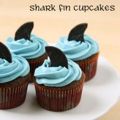 Sweet Shark Fin Cupcakes Wait until cupcakes are completely cooled and ice with White or light-colored frosting supplemented with blue food coloring and make fins out of Oreo® Cookies <3 themarriedapp.com hearted <3