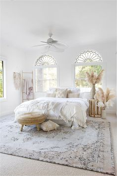 Home decor Helena White and Peach Turkish Style Distressed Rug How To Buy Kid's Rugs Those that are Room Ideas Bedroom, Home Decor Bedroom, Bedroom Rugs, Teen Bedroom, Bedroom Inspo, Bedroom Furniture, Master Bedroom, Aesthetic Room Decor, Dream Rooms
