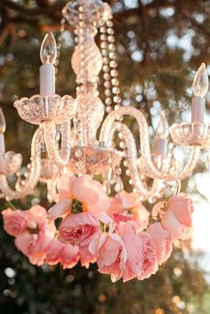 floral chandelier | Kimberly Florence Photography | Glamour & Grace