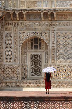 Patterns & Parasol Agra, Uttar Pradesh, India #seatsofthegoddess