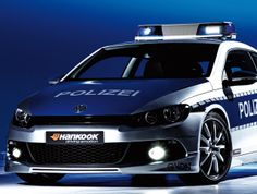 Der VW #Scirocco Der Volkswagen Scirocco ist 2009 die Basis für das Symbol-Fahrzeug der Initiative #TUNE IT! SAFE!