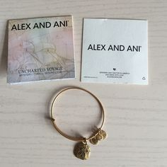 Sand Dollar Alex & Ani Not worn much and in great condition! Alex & Ani Jewelry Bracelets