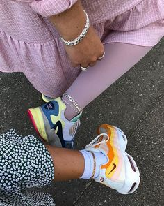 Matching with my bestie ⛓💖 Cute Shoes, Me Too Shoes, Socks Outfit, Scandinavian Fashion, Clogs, Fashion 2020, Nyc Fashion, Fashion Ideas, Dream Shoes