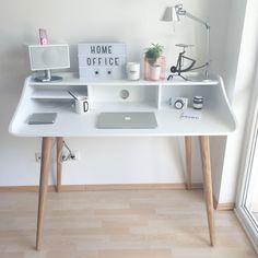Schreibtisch im Scandistyle von Made - Best Home Decor List Study Room Decor, Cute Room Decor, Home Office Design, Home Office Decor, Home Decor, Office Ideas, Office Themes, Desk Ideas, Desk Inspiration