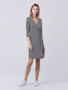 New Julian Two Silk Jersey Wrap Dress in Chain Link Medium