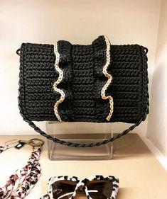 """New """"Passion"""" ♥️ Black-Caramel Shoulder bag Crochet Purse Patterns, Crochet Clutch, Crochet Shoes, Crochet Handbags, Crochet Purses, Crotchet Bags, Knitted Bags, Diy Bags Purses, Purses And Handbags"""