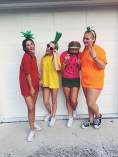 31 Greatest DIY Halloween Costumes For College Students disfraces halloween ideas Diy Fruit Costume, Cute Group Halloween Costumes, Fruit Costumes, Halloween Fruit, Hallowen Costume, Cute Costumes, Halloween Outfits, Halloween Diy, Watermelon Costume