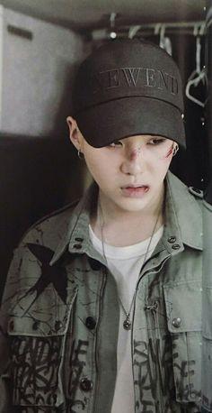 Suga | Min Yoongi | Agust D