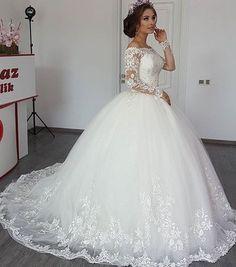 #laceweddingdress#white#bottomend#detailing