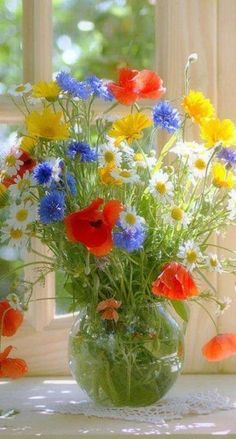 101 Cute Spring Flower Arrangements Ideas That You Need To Know - Flowers are used for all types of occasions and celebrations They can offer you beauty and elegance to any room you choose You can bring in fresh sp # Rosen Arrangements, Spring Flower Arrangements, Beautiful Flower Arrangements, Flower Vases, Floral Arrangements, Summer Flowers, Amazing Flowers, Fresh Flowers, Wild Flowers