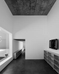 Gallery of House in Oeiras / Pedro Domingos arquitectos - 25