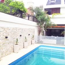 Resultado de imagen para quincho moderno con piscina