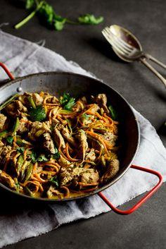Pork green curry stir fry | simply-delicious.co.za #recipe #lowcarb #dinner