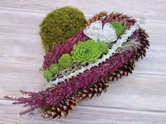 Door wreath Door wreaths Fall decoration Wreath Wall wreath Straw flowers Wreath Fall wreaths Fall wreath Thanksgiving Fall wreath Grain decoration Fall - This heart shaped grave decoration is a special decoration for Sunday of the dead or All Saints& - Thanksgiving Wreaths, Fall Wreaths, Door Wreaths, Christmas Wreaths, Flower Garland Wedding, Flower Garlands, Diy Flowers, Red Garland, Ornament Drawing