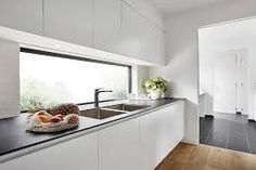 A&L aluminium windows are available in a wide range of styles, configurations and sizes. Our range includes sliding windows, casement windows and more. Diy Kitchen Decor, Kitchen Furniture, Kitchen Interior, Home Decor, Modern Kitchen Renovation, Kitchen Remodel, Studio Kitchen, Aluminium Windows, House Design