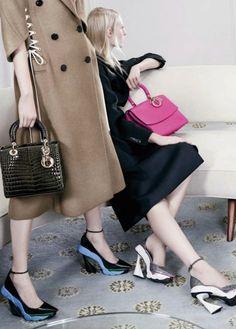 Zapatos de moda en 16 anuncios