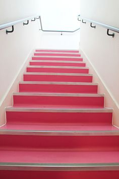 Home Interior Design And Makeover Tips – BusyAtHome Pink Love, Pretty In Pink, Hot Pink, Pink Houses, Everything Pink, Stairway To Heaven, Retro, Home Decor Bedroom, My Favorite Color